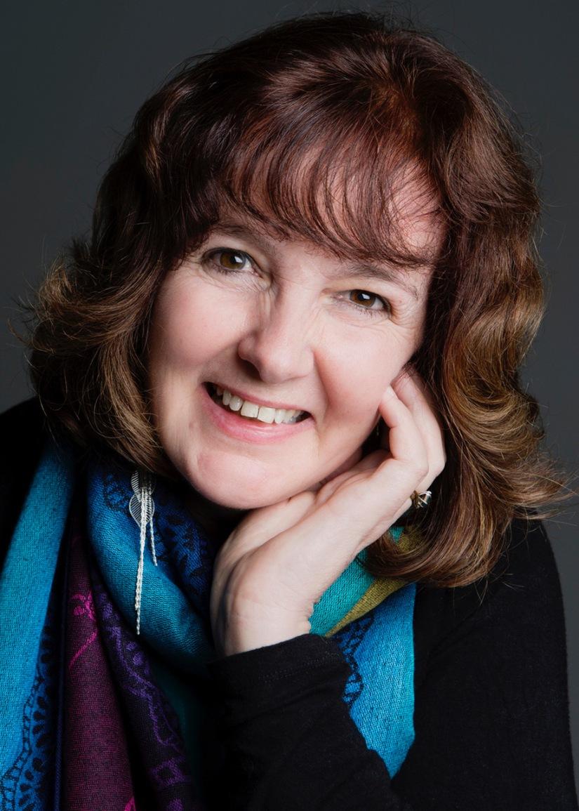 Dee White small author photo 2019 colour